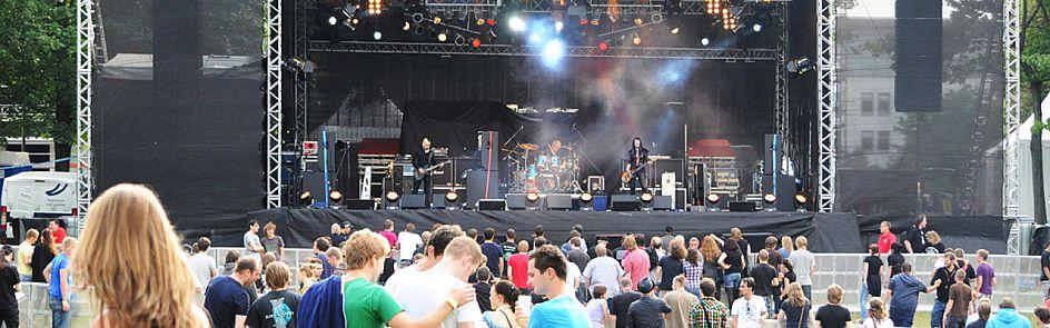 Drei Bühnen: Auf dem zweitgrößten Uni-Festival Deutschlands spielen neben bekannten Musik-Acts wie Kraftklub, Wir Sind Helden oder Gentleman auch Newcomer und regionale Bands.